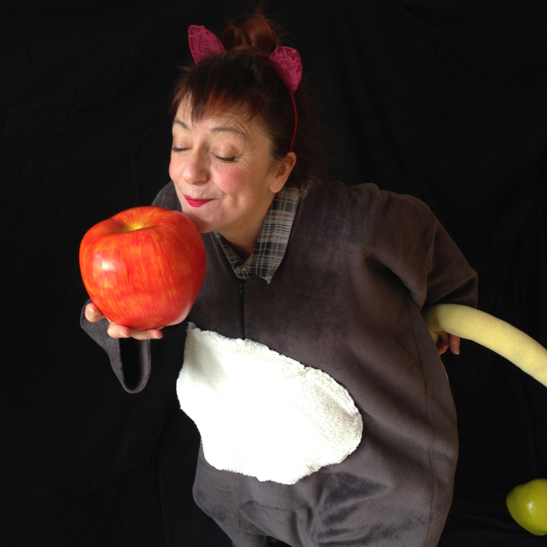 Photo souris et pomme Claire - Version 2